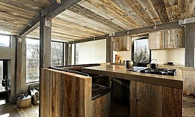 Kitchen, 178 Bennett Bench, 2