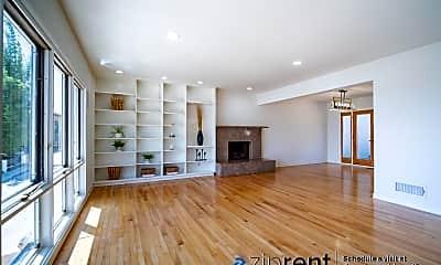 Living Room, 3955 Farmouth Drive, 1