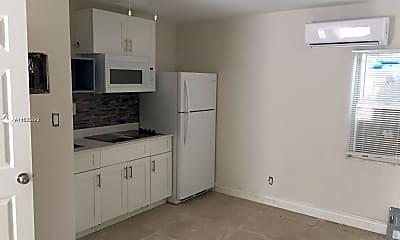 Kitchen, 1536 Polk St 4, 2