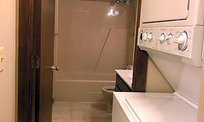 Bathroom, 7809 Stellhorn Rd, 2