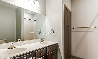 Bathroom, 1160 Suncrest Dr, 2