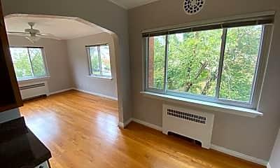 Living Room, 3577 Saybrook Ave, 1