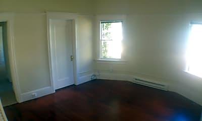 Building, 818 Cowper St, 1