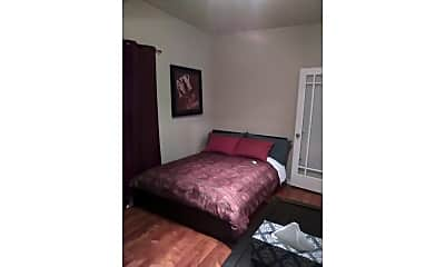Bedroom, 2863 W Belden Ave 1, 2