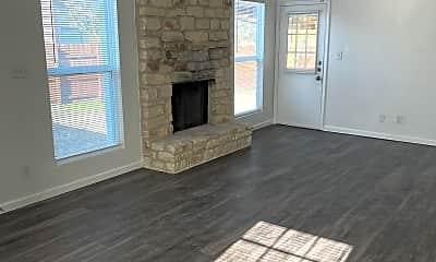Living Room, 4000 Tamarack Trail, 0