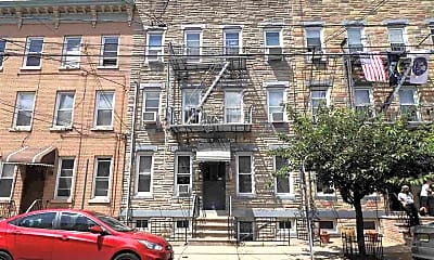 Building, 348 7th St 5, 2