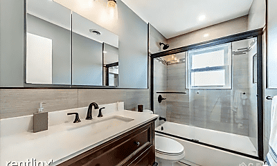 Bathroom, 183 Evergreen Rd, 2