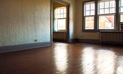 Living Room, 403 N 4th St, 1