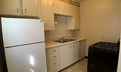 Kitchen, 2650 Cottage Grove Ave, 2