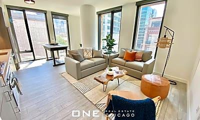 Living Room, 850 W Madison St, 1