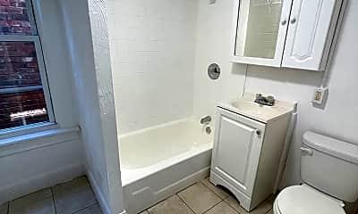 Bathroom, 28 Monument St, 2