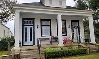 Building, 633 Angela St, 0