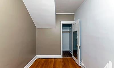 Bathroom, 1240 W Glenlake Ave, 2