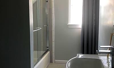Bathroom, 17 Wyckoff St, 2