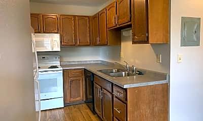 Kitchen, 613 6th St E, 1