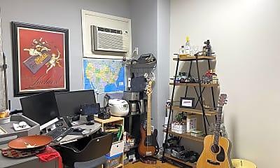 Living Room, 918 Pine St, 1