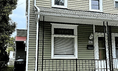 Kitchen, 522 Pulaski St, 1