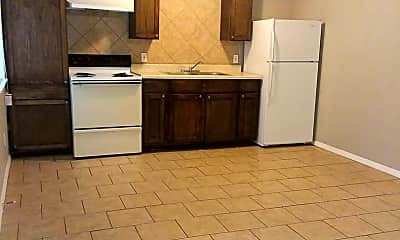 Kitchen, 601 S Nelson St, 1