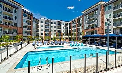 Pool, 1122 S Grant St, 2
