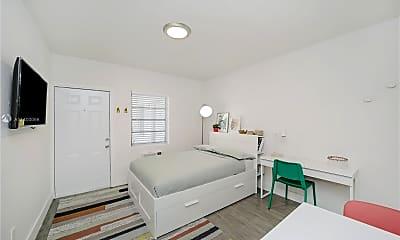 Living Room, 770 NE 123rd St 18, 1