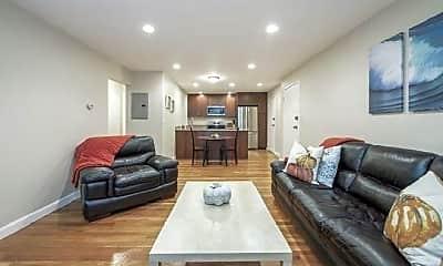 Living Room, 10 Riverside St, 1