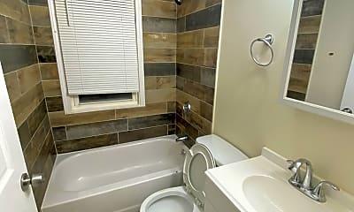 Bathroom, 102 Winthrop St, 2