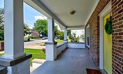 Patio / Deck, 2111 Oak St, 1