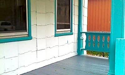 Patio / Deck, 618 Potter St, 1