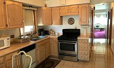 Kitchen, 5432 N Neenah Ave, 1