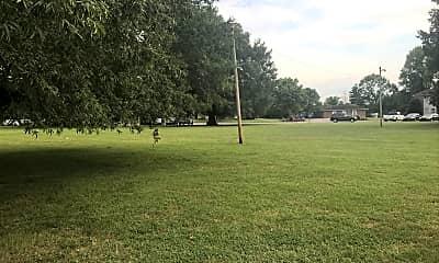 Liberty Oaks, 2