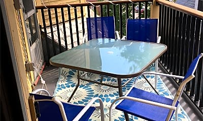 Patio / Deck, 322 Pearl St, 1