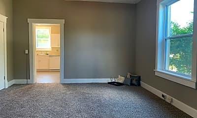 Living Room, 1402 E Lincoln Ave, 2