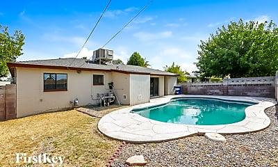 Pool, 1025 W 17th Pl, 2