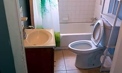 Bathroom, 1001 W 44th St, 2