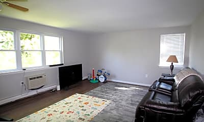 Living Room, 333 Lacey Ave C7, 1