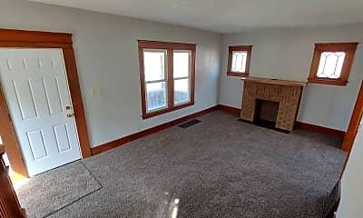 Living Room, 1850 E 33rd St, 1