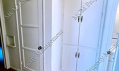 Bathroom, 5761 San Vicente Blvd, 2