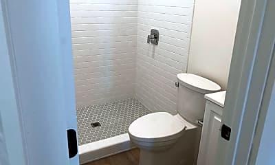 Bathroom, 2101-2107 Reed Ave., 2