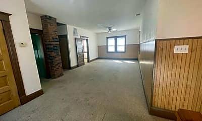 Living Room, 229 N Pearl Ave, 1