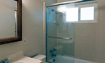 Bathroom, 846 Apple Valley Dr, 2