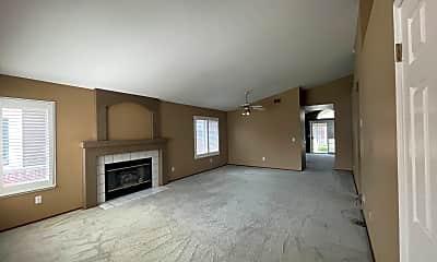 Living Room, 6423 Shasta Creek Way, 1