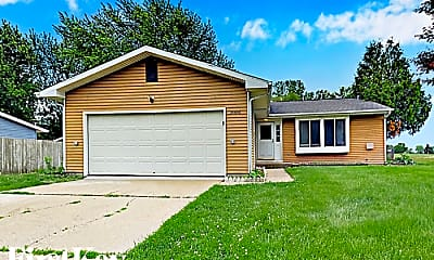 Building, 35W941 Crispin Dr, 0