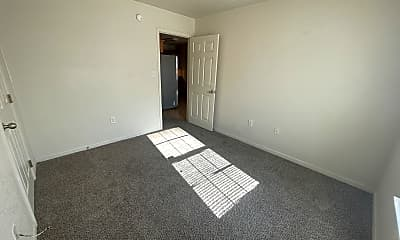 Living Room, 900 Yi Dr, 2