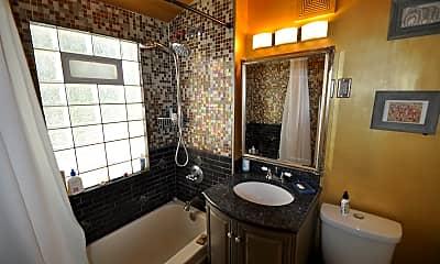 Bathroom, 1427 5th St NE, 2