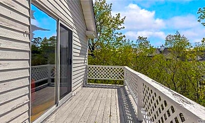 Patio / Deck, 167 Main St UPSTRS, 2