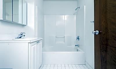 Bathroom, 701 Sansom St 206, 2