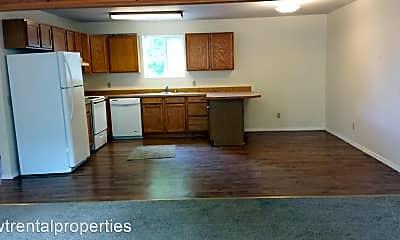 Living Room, 497 NE Jefferson Ave, 2