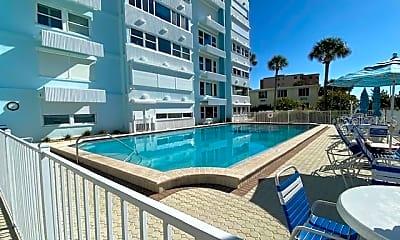 Pool, 17400 Gulf Blvd E5, 2