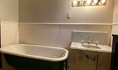 Bathroom, 703 E 14th St, 2
