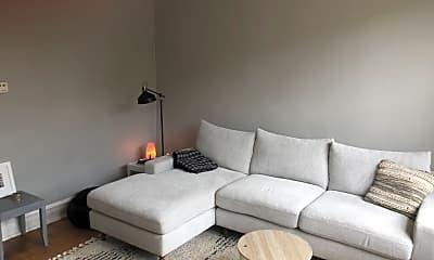 Living Room, 1050 N Damen Ave., 1